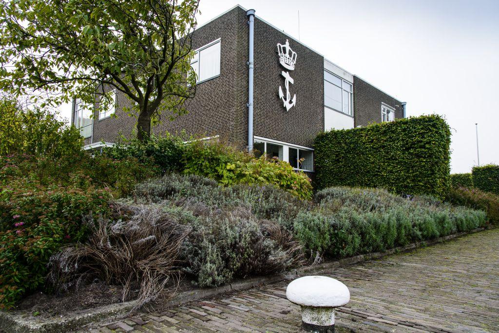 Voorwerf commandantswoningMarineterrein Amsterdam - foto Siebe Swart