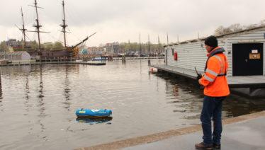 Waterdrone doorgrondt troebel binnenhavenwater